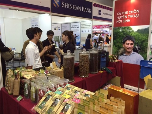 Int'l coffee and dessert fair opens in HCM City hinh anh 1
