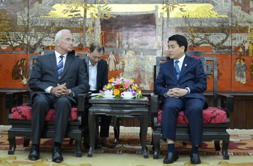 Hanoi seeks stronger relations with Belarusian localities hinh anh 1