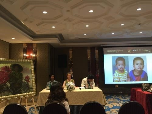 Artworks to be auctioned off for Operation Smile hinh anh 1