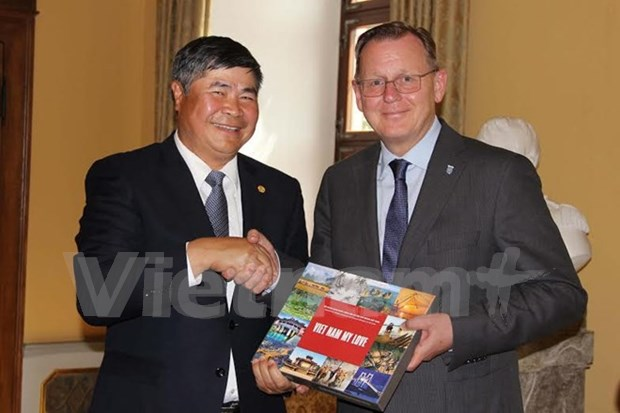 Vietnam seeks to boost all-around links with Germany hinh anh 1