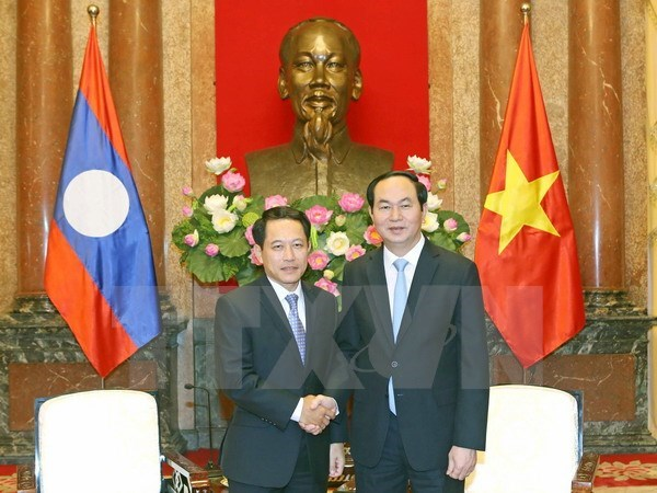 Vietnam supports Laos ASEAN presidency hinh anh 1