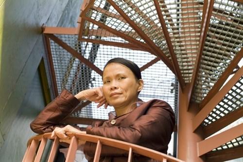 Vietnam-born writer to meet readers in Hanoi hinh anh 1