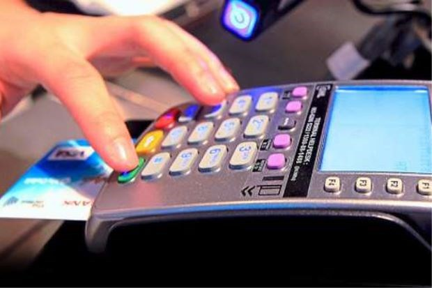 Malaysia switches to PIN code for credit transaction safety hinh anh 1