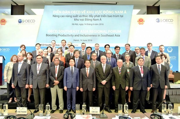 Productivity, inclusive development crucial for ASEAN Community hinh anh 1