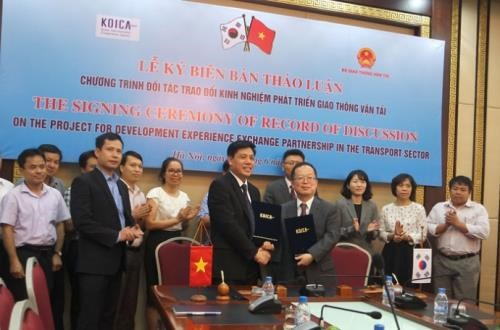RoK supports Vietnam develop transport hinh anh 1