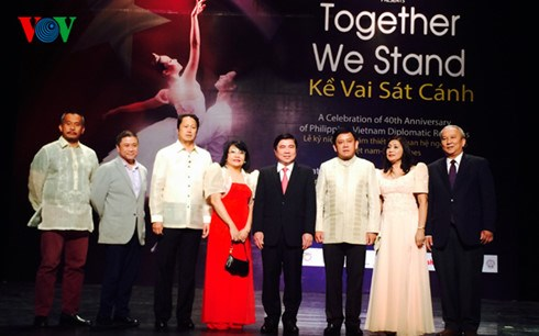 Celebration marks Vietnam-Philippines diplomatic ties hinh anh 1