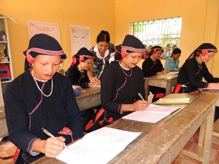 Ha Giang strives to raise literacy rate of over 94 percent by 2020 hinh anh 1