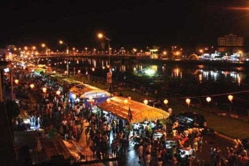 Coastal Phan Thiet City opens night market hinh anh 1