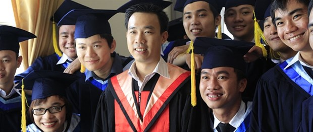 Education ministry to review postgraduate syllabuses hinh anh 1