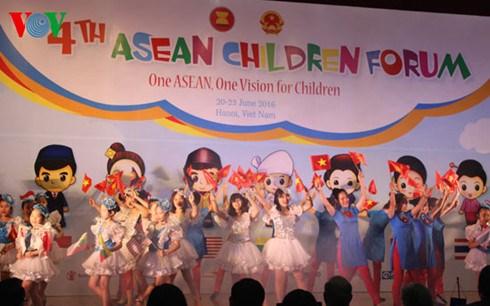 Fourth ASEAN Children Forum closes in Hanoi hinh anh 1