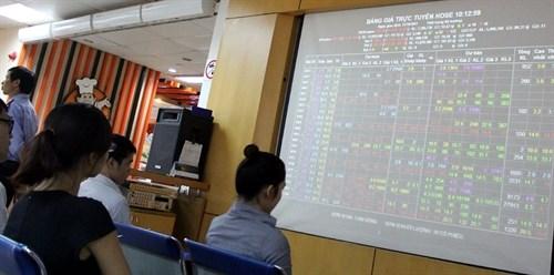 Vietnam's stocks struggle to remain up hinh anh 1