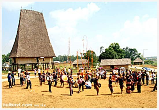 Family culture of ethnic groups to be retraced at upcoming festival hinh anh 1