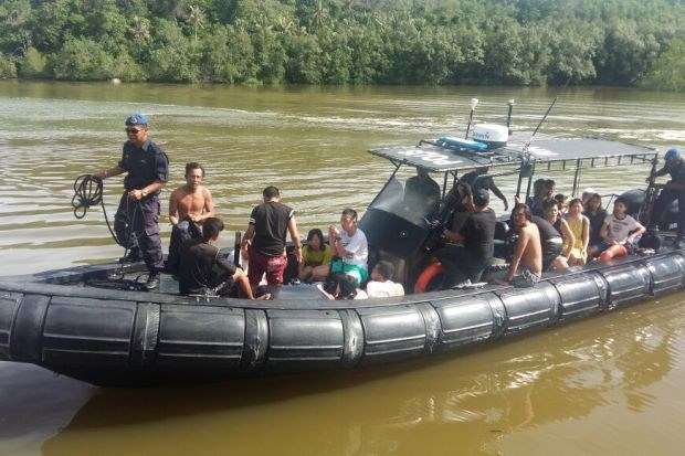 Malaysia: 22 rescued after boat capsized off Pulau Mantanani hinh anh 1