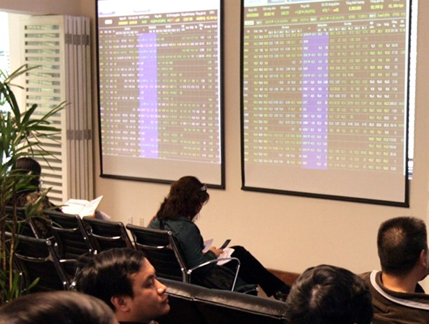 VN stocks plunge with Brexit vote hinh anh 1