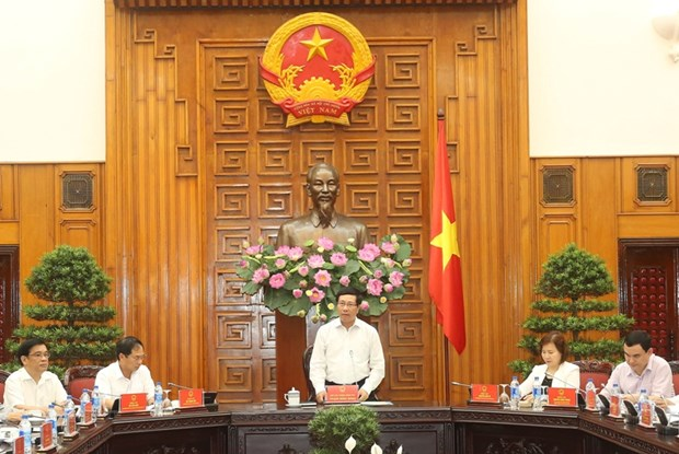 Deputy PM urges specific plans for APEC 2017 activities hinh anh 1
