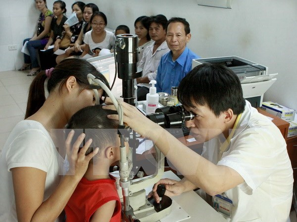 Health Ministry: Pink-eye disease spreads in localities hinh anh 1