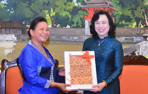 Hanoi, Vientiane women look to forge business partnerships hinh anh 1
