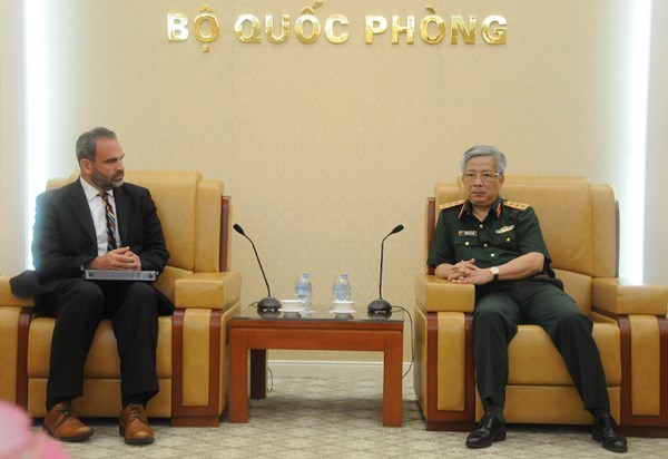Deputy Defence Minister meets US defence official hinh anh 1