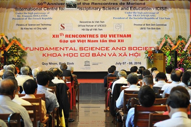 Experts mull over climate change at workshop hinh anh 1