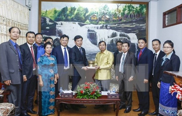 Laos' Salavane province leader welcomes Vietnamese youths hinh anh 1