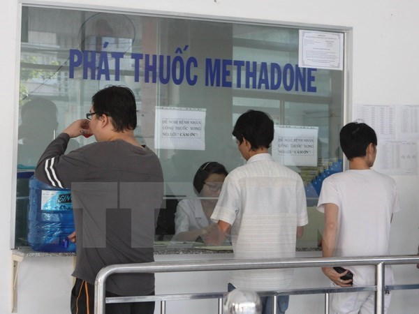 HCM City works to expand methadone treatment hinh anh 1