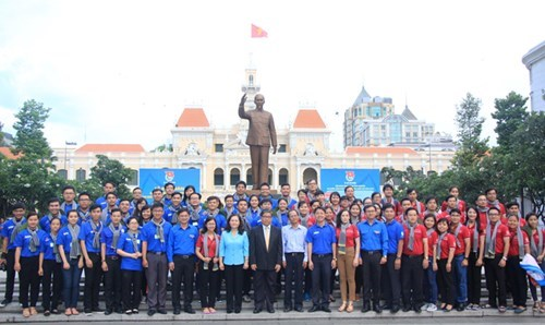 HCM City youths join volunteer activities in Laos hinh anh 1