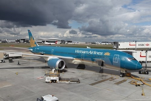 Vietnam Airlines signs contract with CAE for pilot training hinh anh 1
