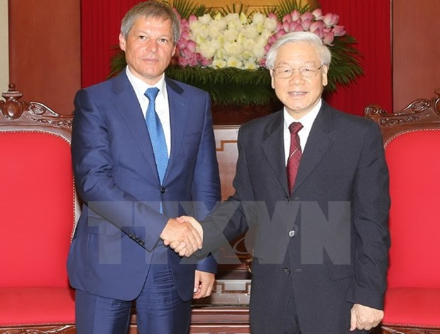 Romanian PM welcomed by Vietnamese top leaders hinh anh 1