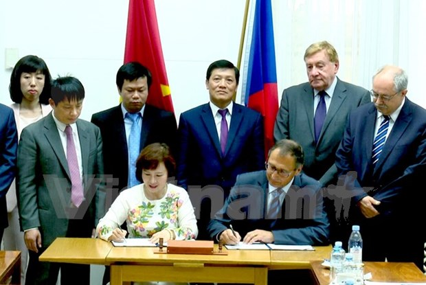 Vietnam, Czech agree on 5-year cooperation plan hinh anh 1