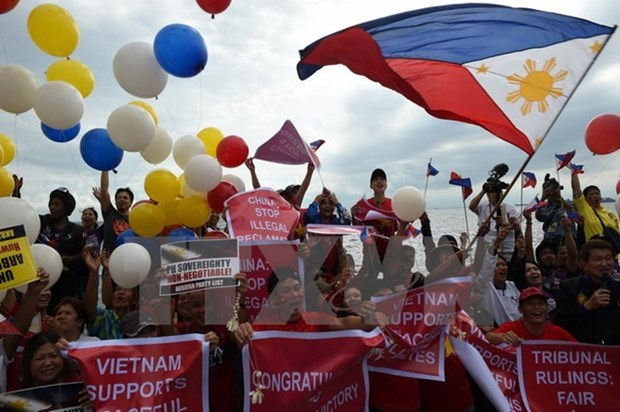 Philippines to urge China to respect PCA ruling at ASEM Summit hinh anh 1