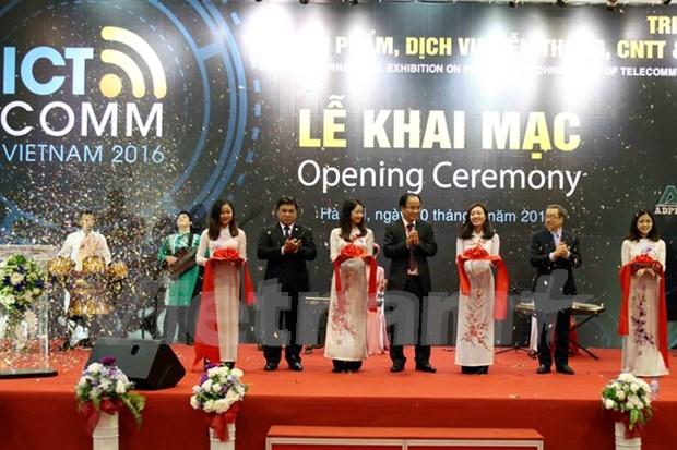 Vietnam ICT COMM 2016 opens in Hanoi hinh anh 1