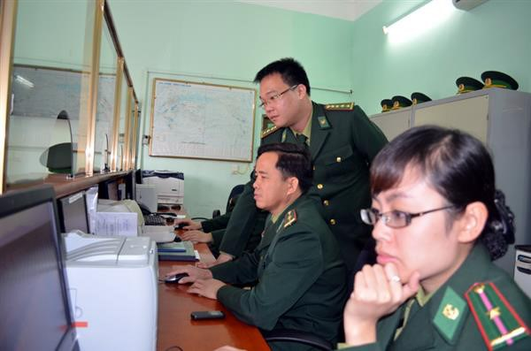 Defence ministry linked to national OSS customs portal hinh anh 1