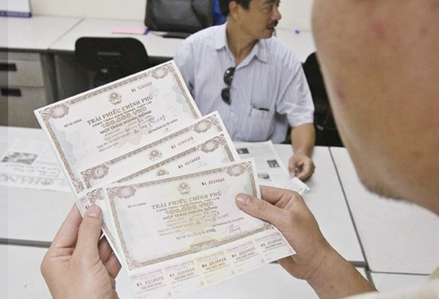 Nearly 6 trillion VND in Government bonds sold hinh anh 1