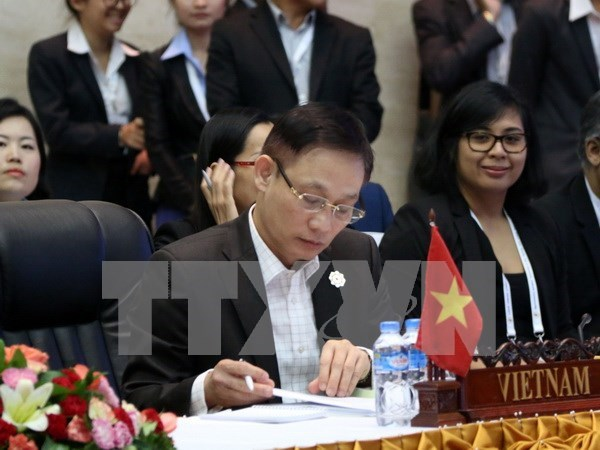ASEAN senior officials complete preparations for AMM meetings hinh anh 1