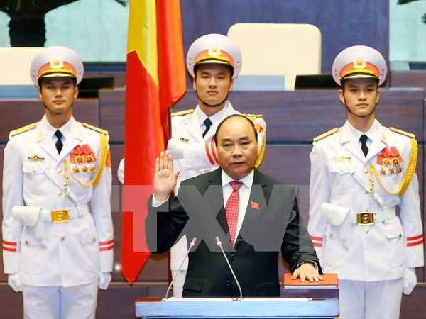 Nguyen Xuan Phuc re-elected as Prime Minister hinh anh 1