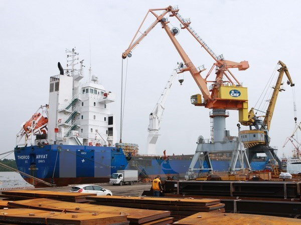 Goods through sea ports increase 13 percent hinh anh 1
