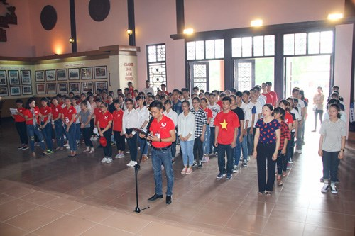 Red Journey attracts 3,000 donors in Thanh Hoa hinh anh 1