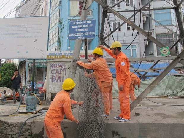 Efforts exerted to surmount Typhoon Mirinae's consequences hinh anh 1