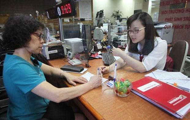 Banks raise deposit interest rates hinh anh 1