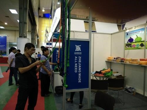Chinese trade fair opens in Hanoi hinh anh 1