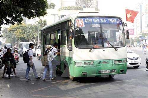 HCM City devises bus plan as rider numbers fall hinh anh 1