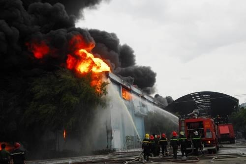 HCM City to buy new fire-fighting robots, boats hinh anh 1