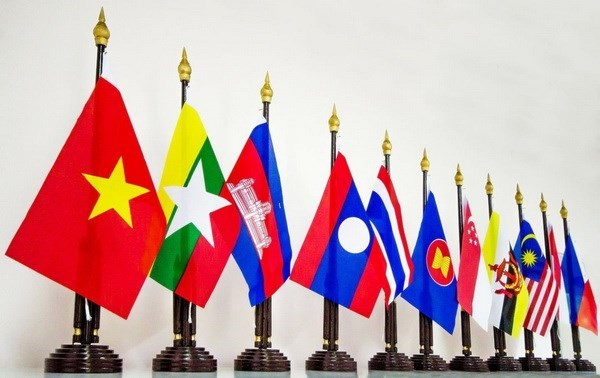 Vietnam contributes to ASEAN's development: Diplomat hinh anh 1