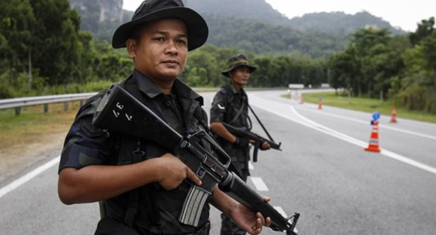Malaysian police arrest many law-breaking foreigners hinh anh 1
