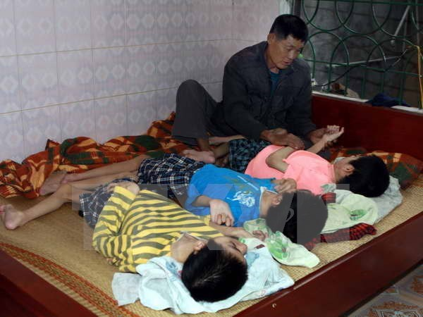 Localities nationwide support dioxin victims hinh anh 1