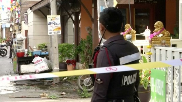 Thai PM orders intensifying security after bomb blasts hinh anh 1