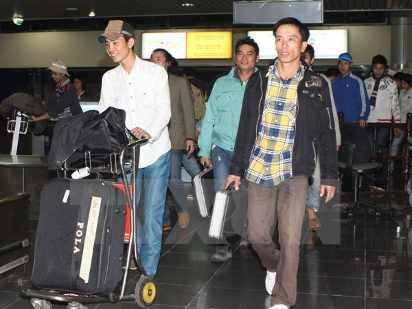 Over 65,000 Vietnamese work overseas in first seven months hinh anh 1