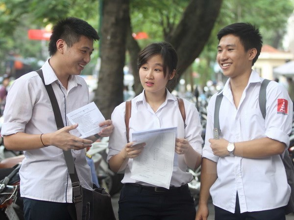 School students start new academic year hinh anh 1