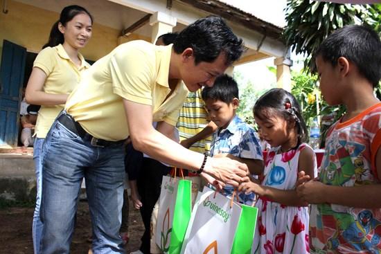 Vinasoy kicks off nutrition programme for children hinh anh 1
