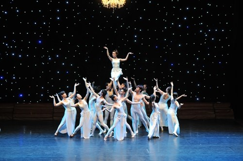 Balanchine ballets in HCM City Opera House hinh anh 1